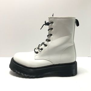 TRUFFLE COLLECTION Chunky Combat Boots Size 8